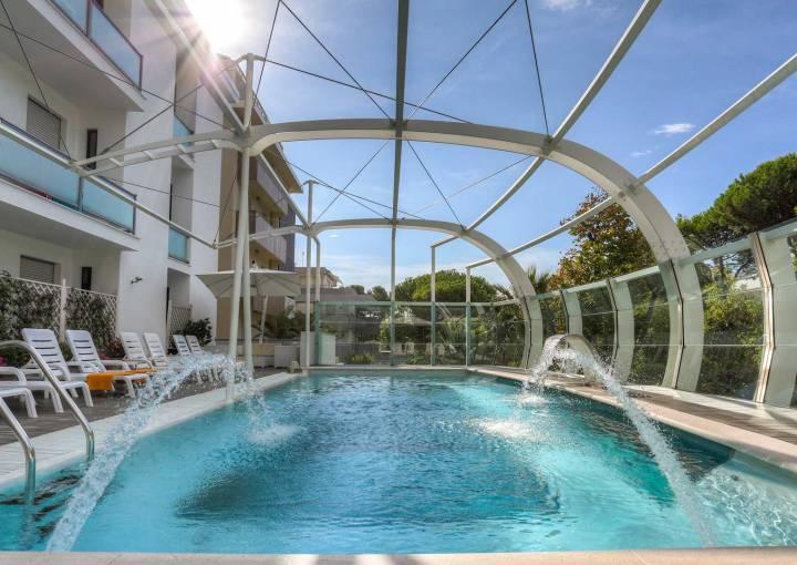 Heated Swimming pool Hotel Boemia Ricicone