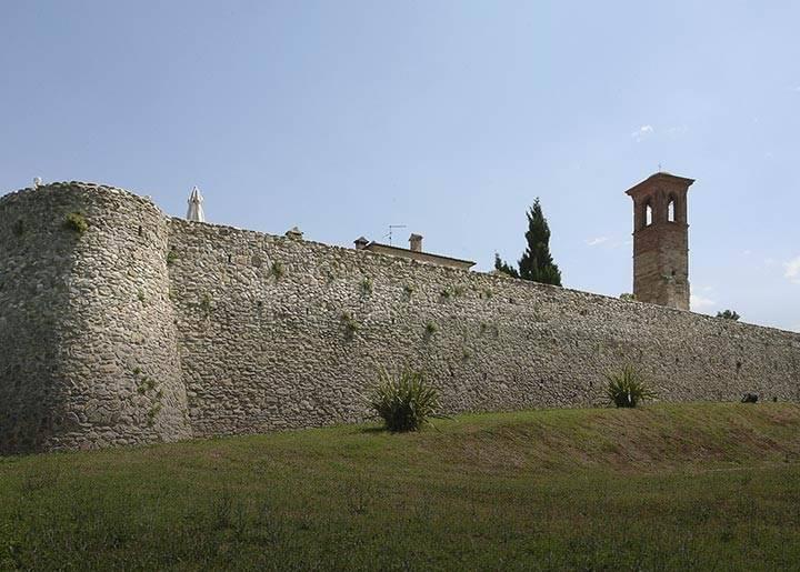 Il castello di Albereto