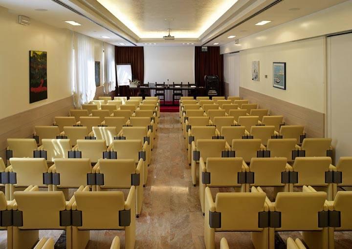 Hotel con sala meeting a Riccione per eventi corsi congressi ...