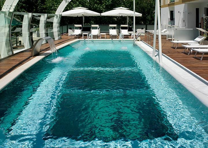 Hotel piscina Riccione 4 stelle